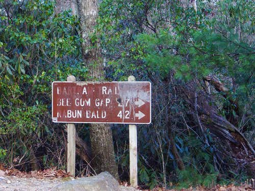 Bartram Trail trailhead on Hale Ridge Road
