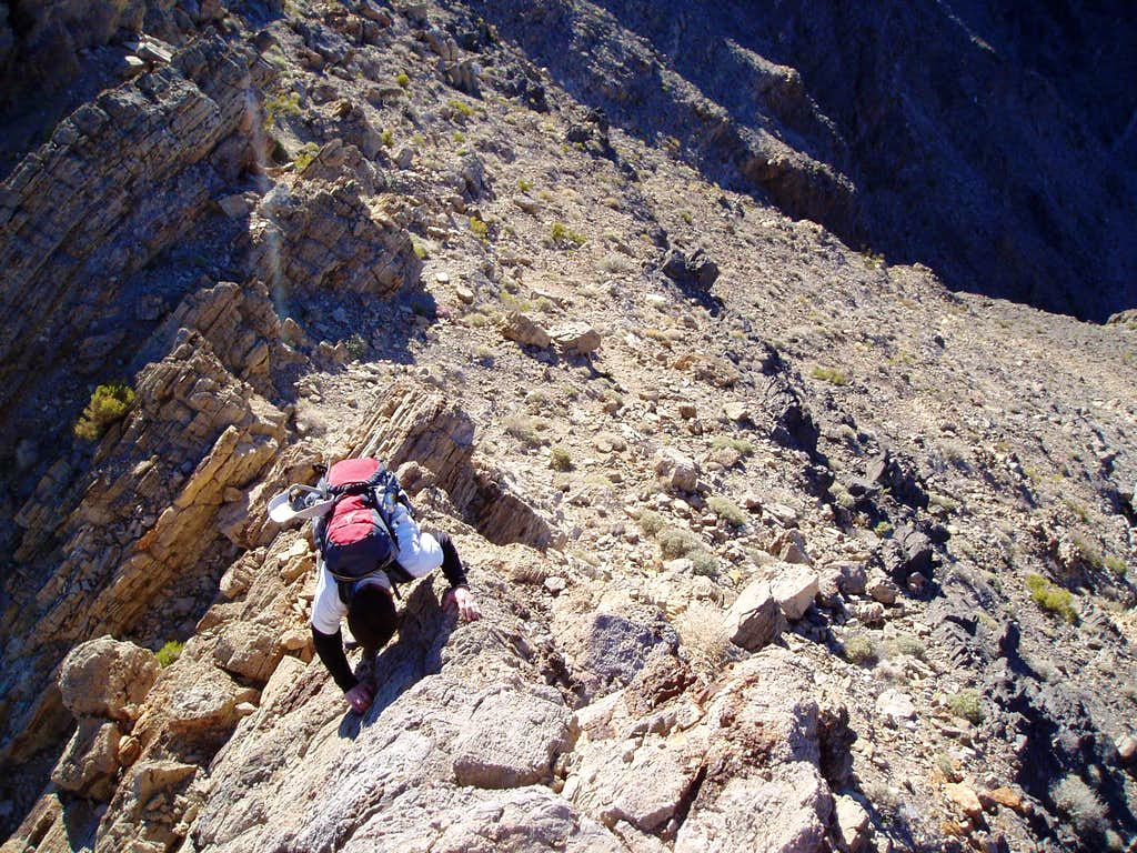 downclimbing Eagle Mountain's summit ridge