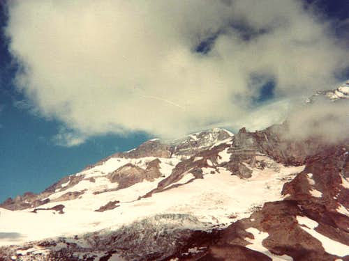 Cloud\'s Kiss for Mount Rainier