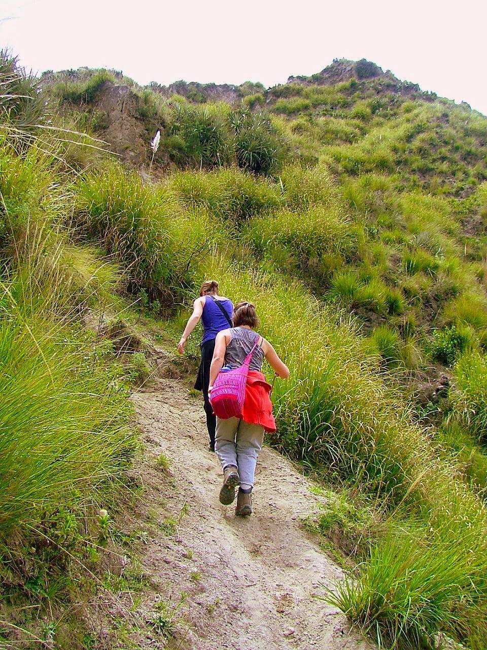 Chugchilan - Quilotoa Volcano Hike