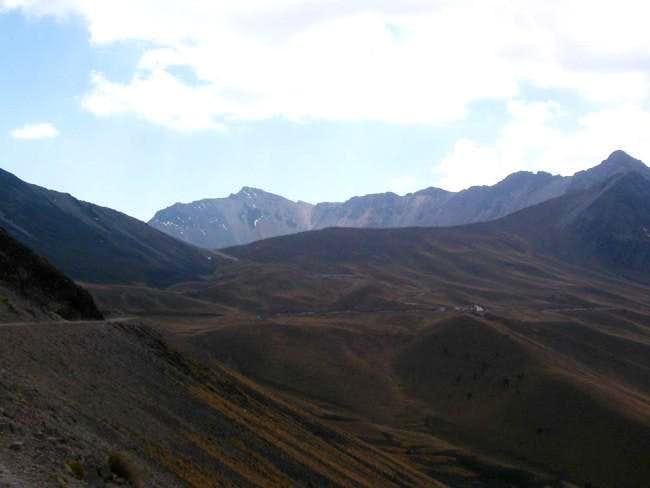 Winding road around the peaks...