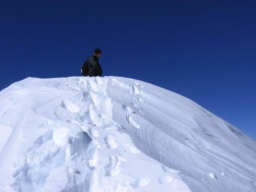 A short snow climb on the ridge