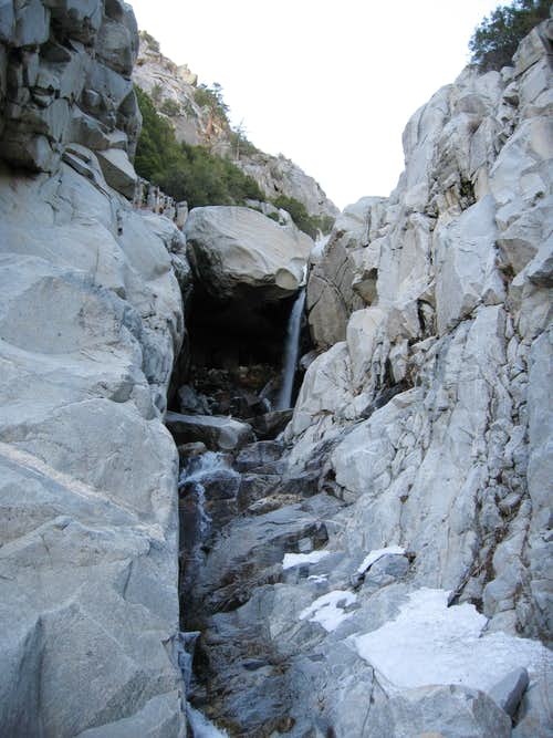 Snow Creek - The Giant Chockstone