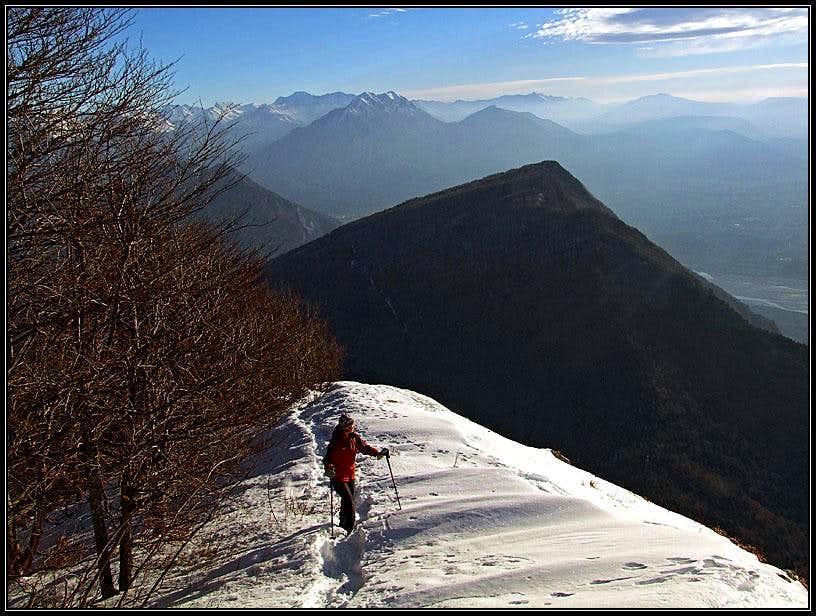 On Monte Cuar East ridge
