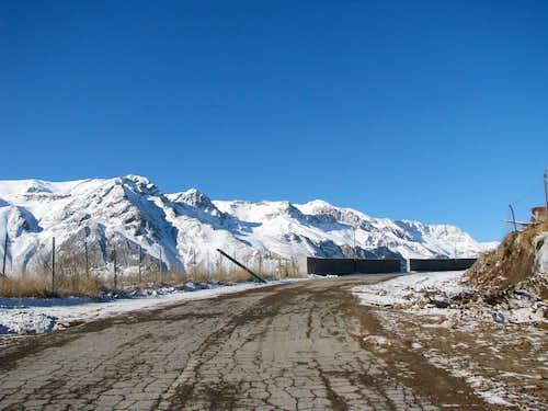 Rineh road