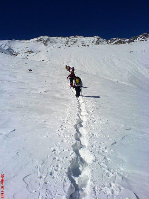 team toward saka peak