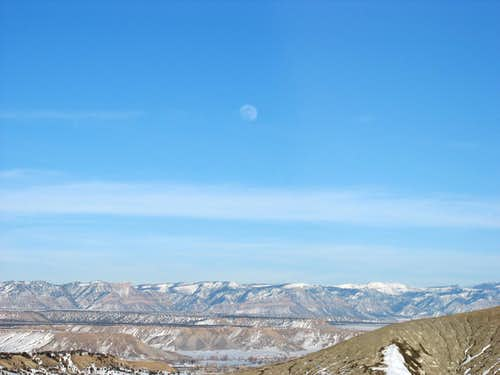 Pinnacle Peak - Looking towards the moon over the Book Cliffs
