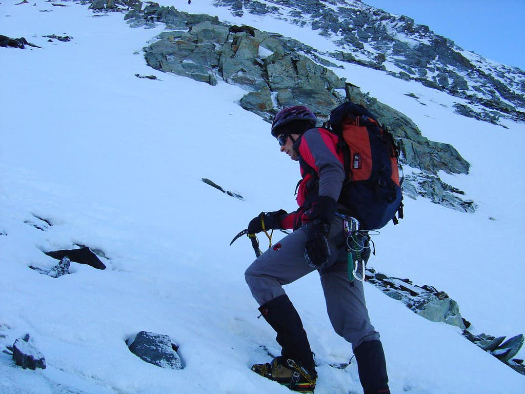 In the ascent to Dom 4545m
