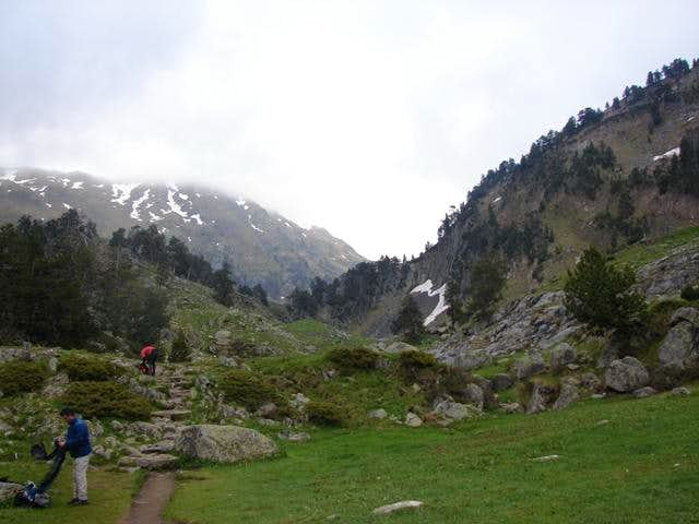 Path to Aigualluts