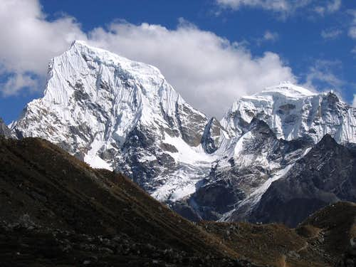 Cholatse and Tawoche from the Gokyo valley