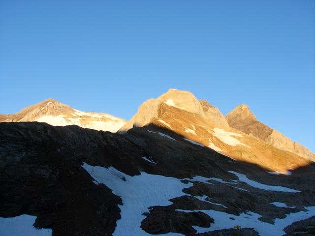 Vignemale Massif from Bayssellance