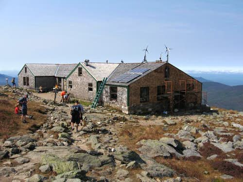 AMC\'s Lakes of the Clouds Hut