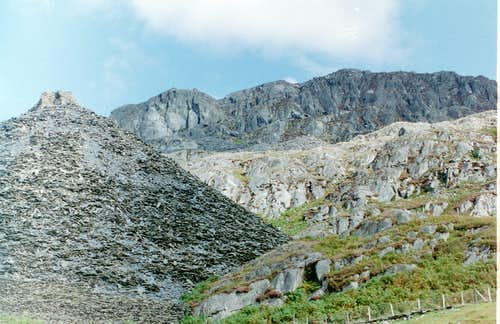 Tan y Grisiau - The Moelwyns Classic Rock Climbing Venue