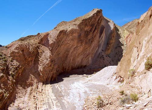 MIND BENDING strata in Nevada