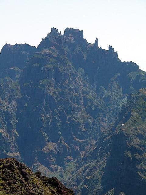 Summit view towards Pico das...