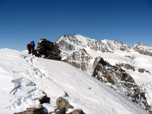 The summit with the Bran Paradiso in the background.