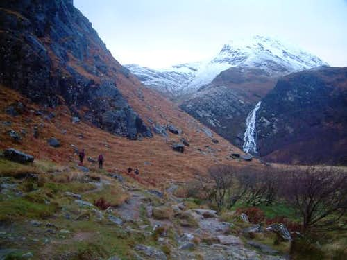 Walking into Glen Nevis...