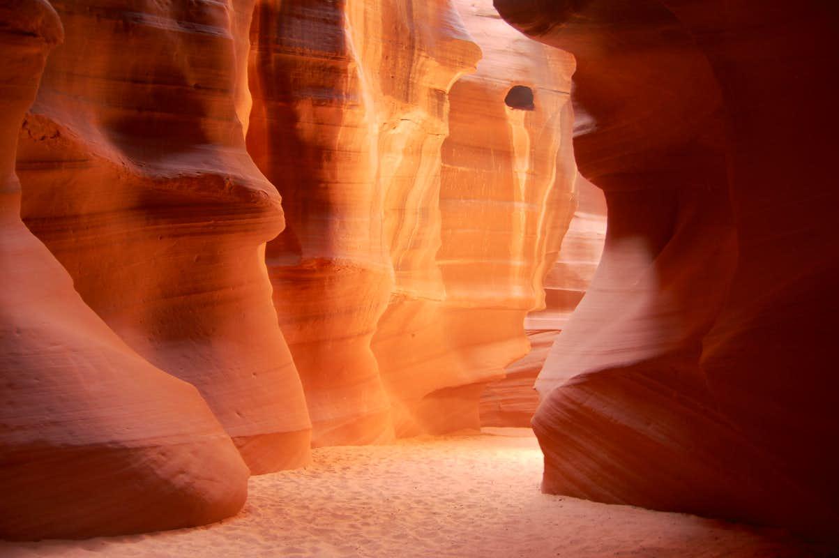 Entrance of Antelope Canyon : Photos, Diagrams & Topos ...