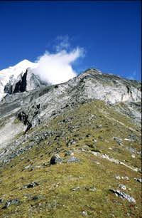 Taboche Sanu (5306m) -...