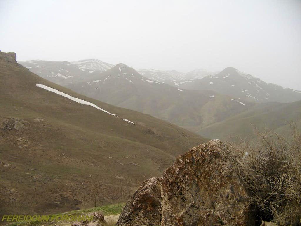mountains arround Karaftoo