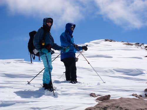 Firm ridgeline snow on Coffin Peak