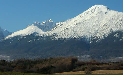 Bradavica (2476 m) and Slavkovský štít (2452 m)
