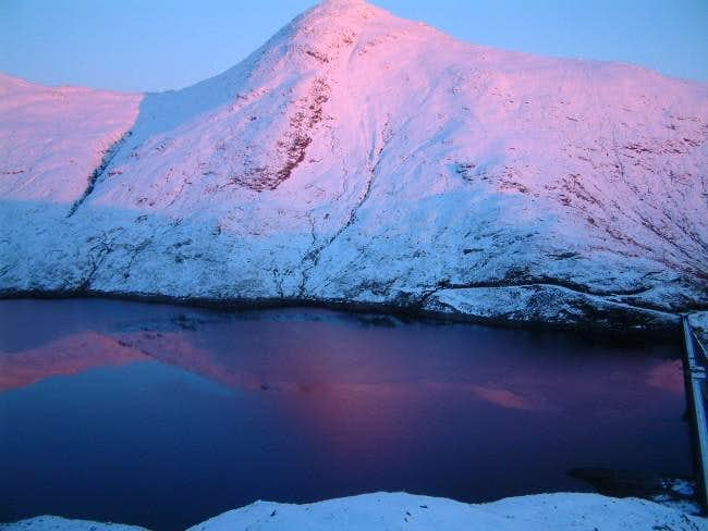 Sun set on Cruachan reservoir...