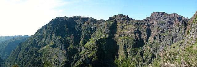 Pico do Arieiro (1818m) seen...