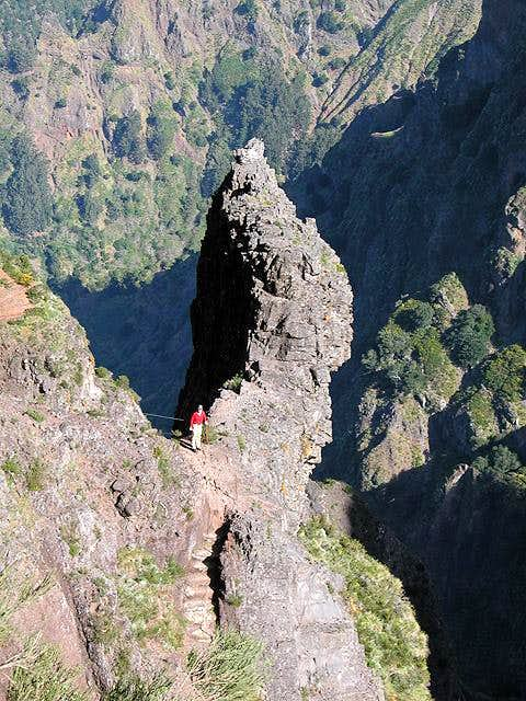 Needle below Pico do Gato,...