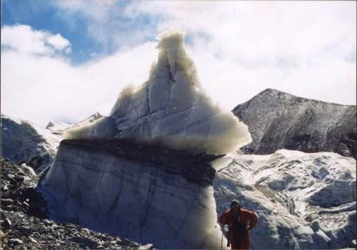 Ice pinnacle near Ulugh...