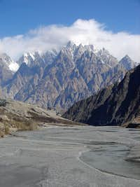 Tupopdan Peak (6106- M) , also known as Passu Cathedral