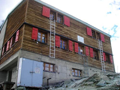 Hörnli Hut 3260m