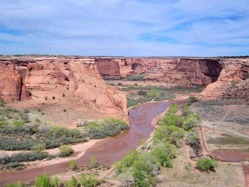 Looking into Canyon de Chelly from the Tsegi Overlook