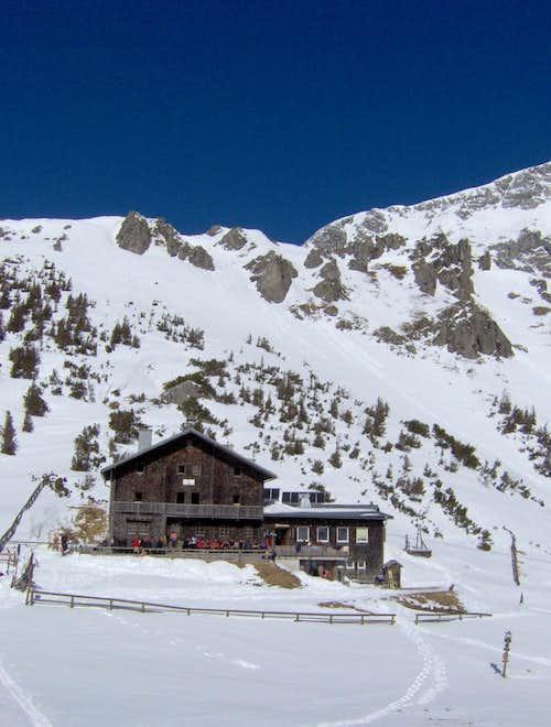 Carl-von-Stahl hut, 1.736m