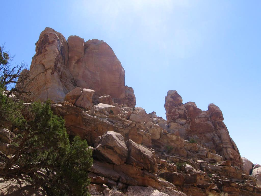 towers above Ding Canyon