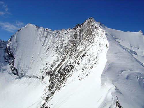 Lenzspitze 4294m (left) and Nadelhorn 4327m (right)