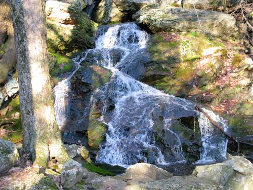a mini waterfall along the Jessup Trail