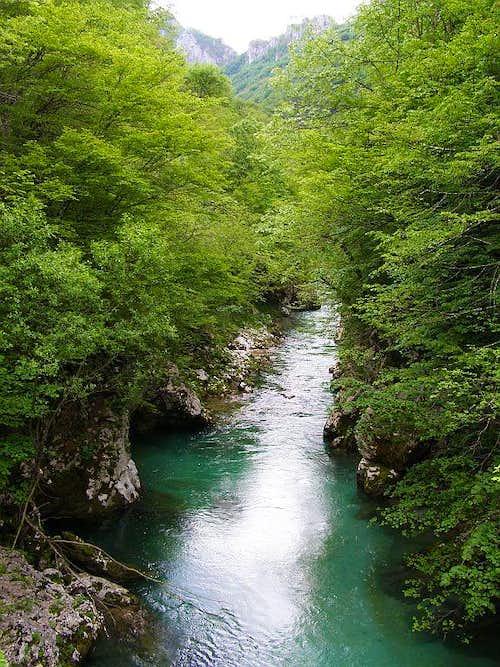 Near mouth of Rakitnica