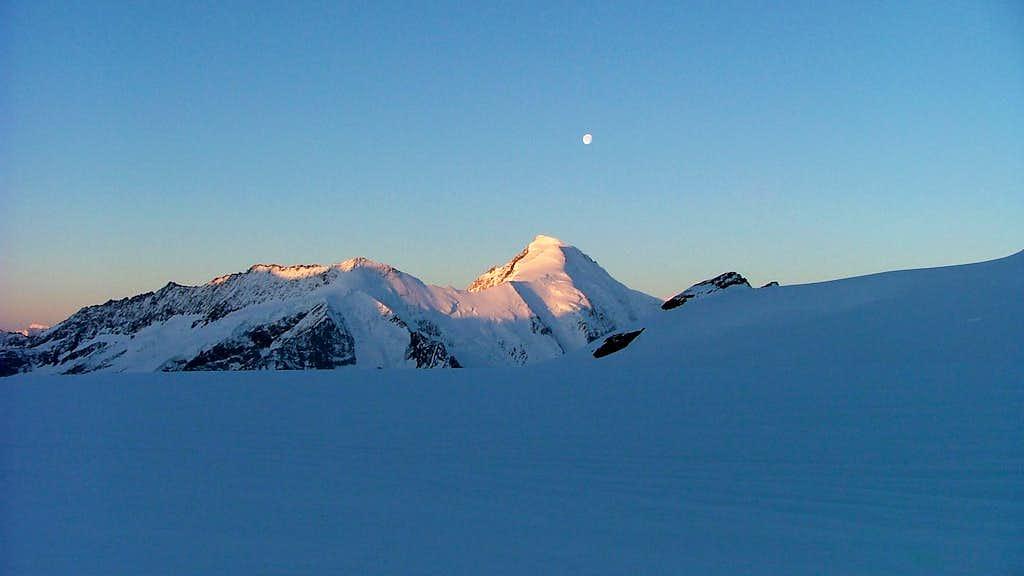 Aletschhorn (4193m) under the moon