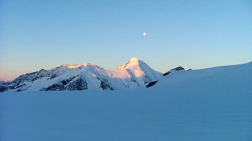Aletschhorn (4193m) under the moon