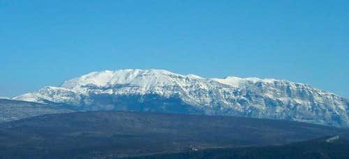 Mighty SW slope of Dinara...