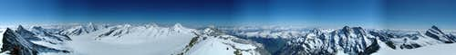 Summit panorama Fiescherhorn