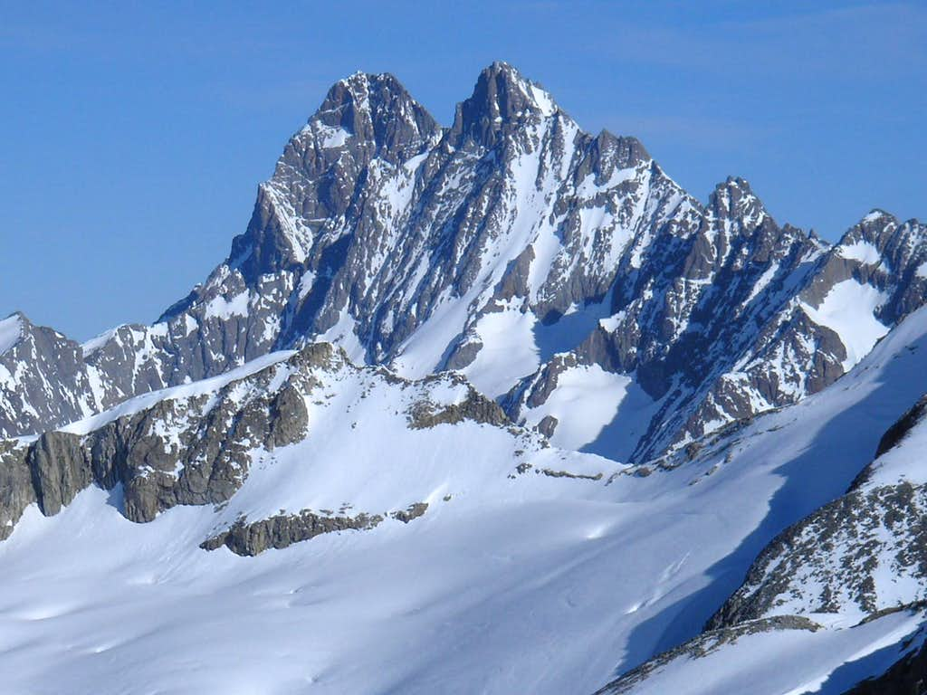 Schreckhorn 4078m and Lauteraarhorn 4042m
