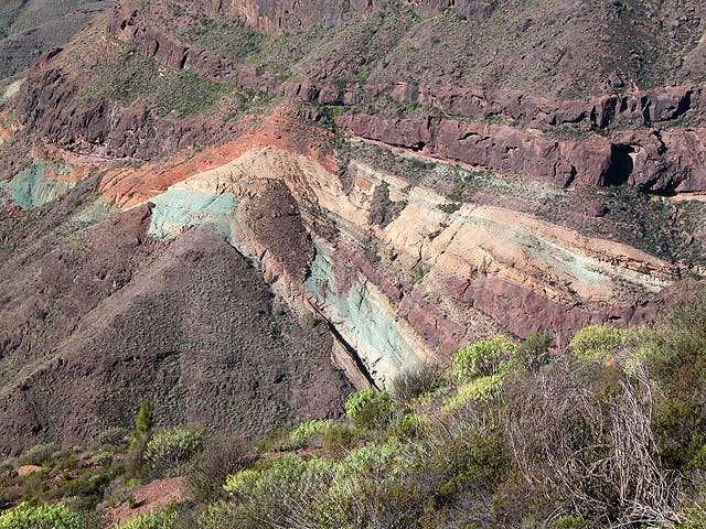Los Azuleos, colourful rock...