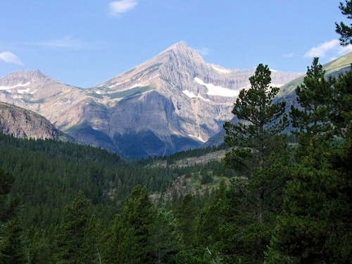 Swiftcurrent Mountain, head on...