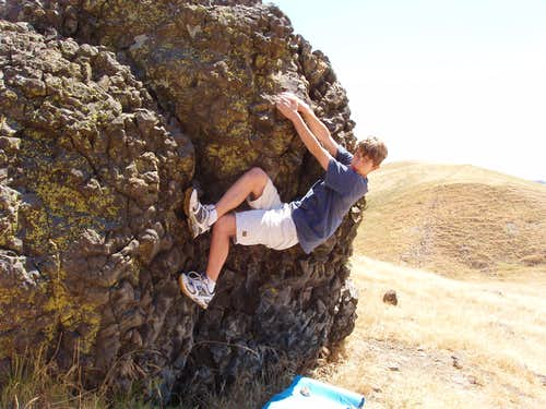 Warming up at Stepho\'s Rock: Hillcrest Boulders