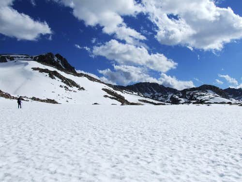 Hiking toward Glacier Divide