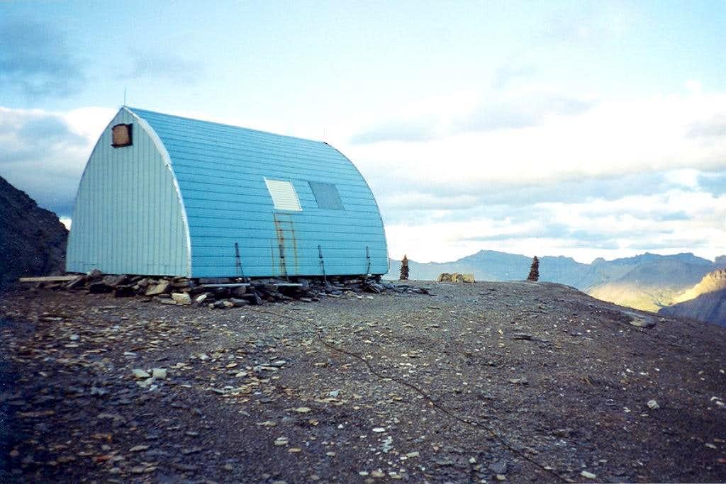 Assiniboine - Hind hut