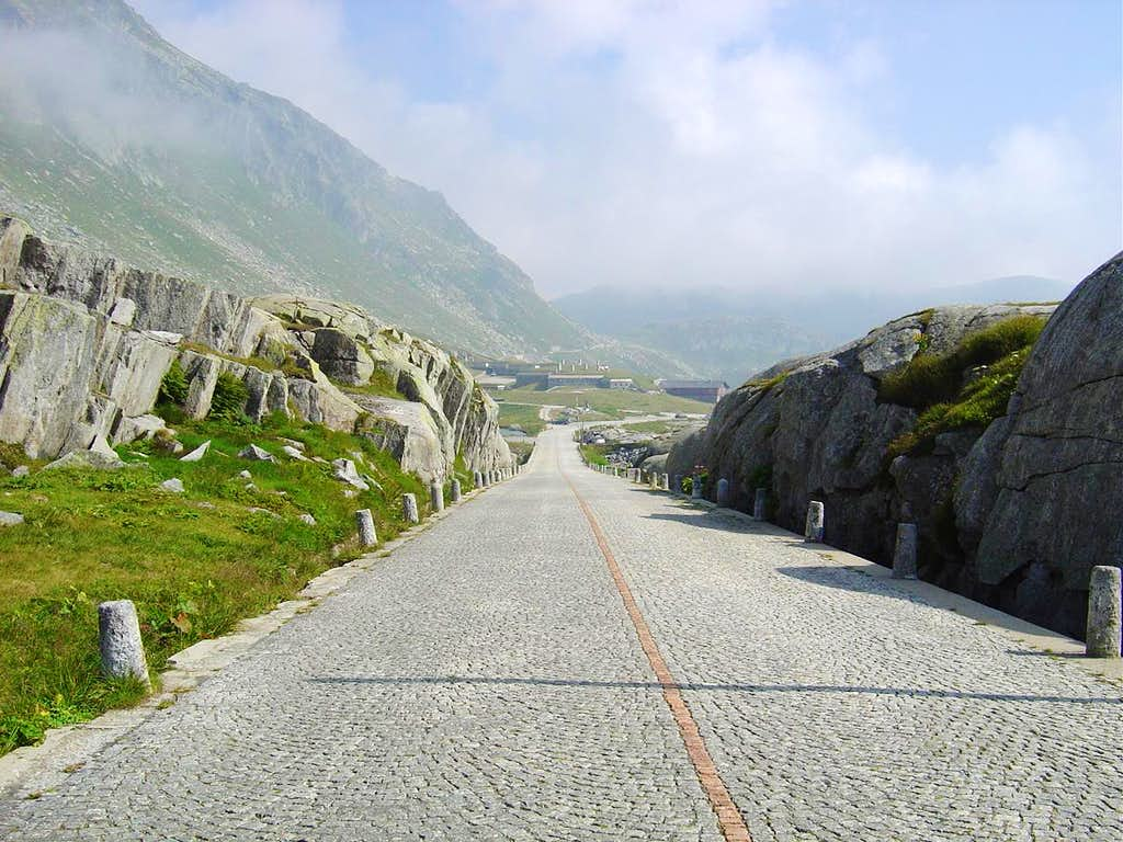 The old Gotthard pass road @ Pizzo Lucendro 2963m