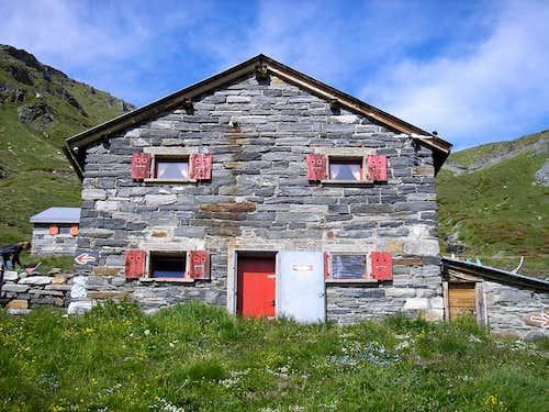 Bortel Hut 2113m